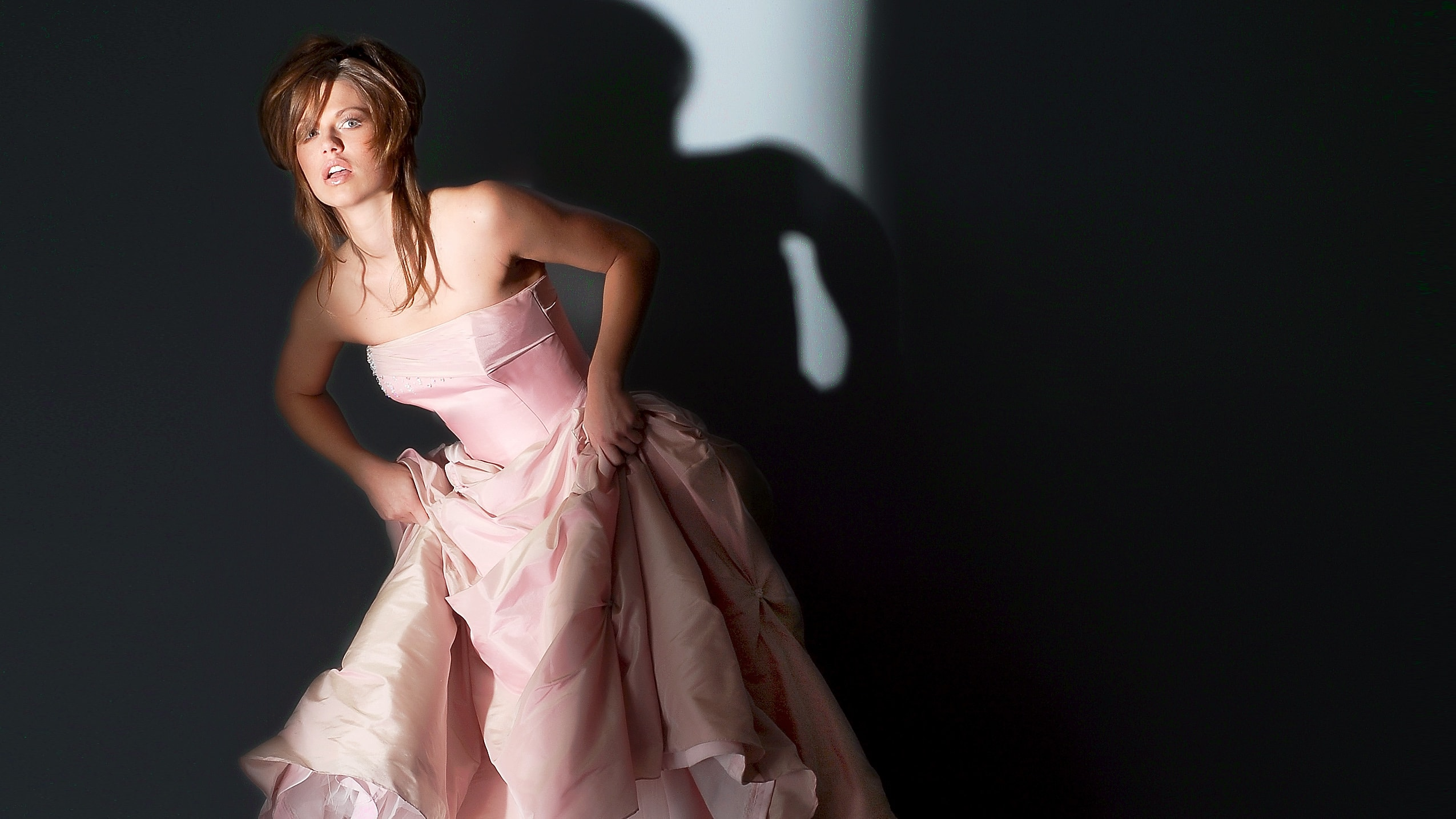 Photo of Create an awesome 1 Light Fashion Shot using two DIY Gobos