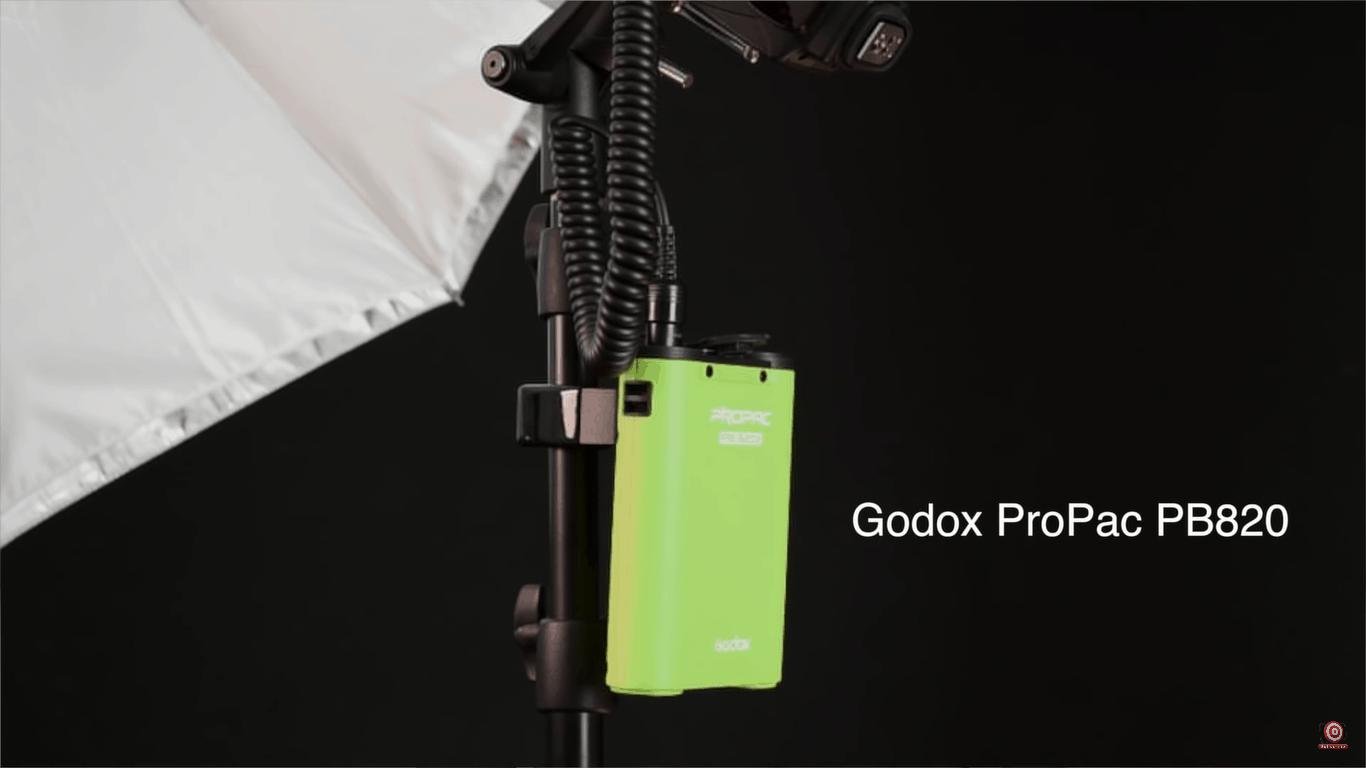 Godox PB820 battery pack