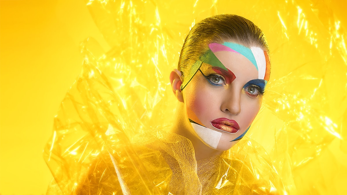 Photo of Fashion Portraits with Cellophane – A Great DIY Tool for Your Studio